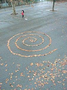 Land art dans la cour de l'école.