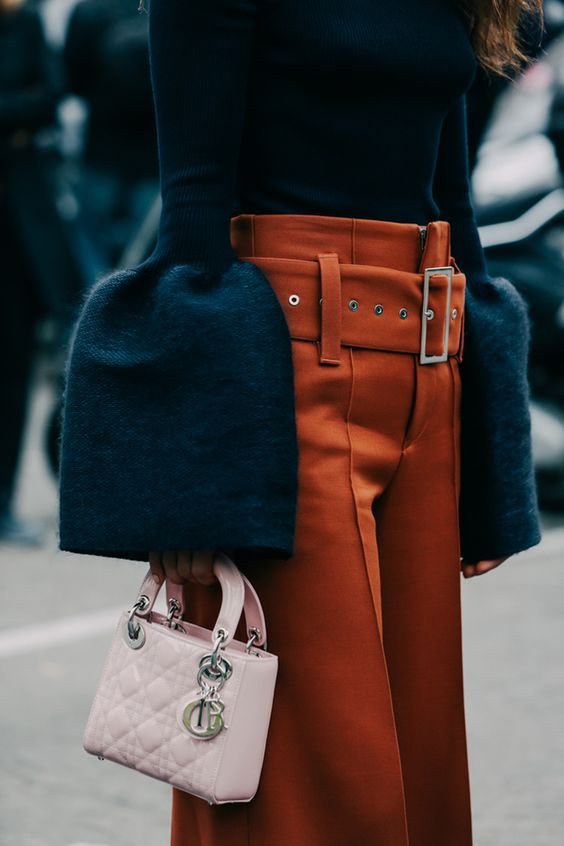 Street looks à la Fashion Week printemps-été 2016 de Paris Very retro but LOVE these pants.: