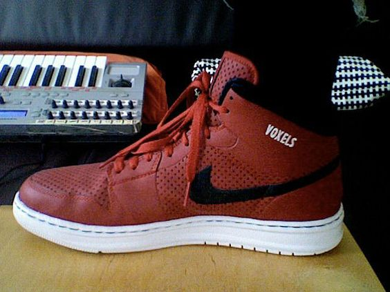 Pedro Pinto | Voxels \ Sneakers