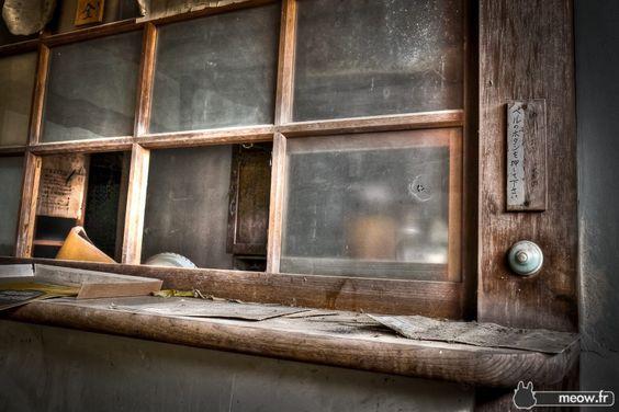 Abandoned Hospitals - Pharmacy Counter Jordy Meow