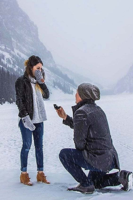 The Most Romantic Mountain Proposal Photo Moment You'll Love It