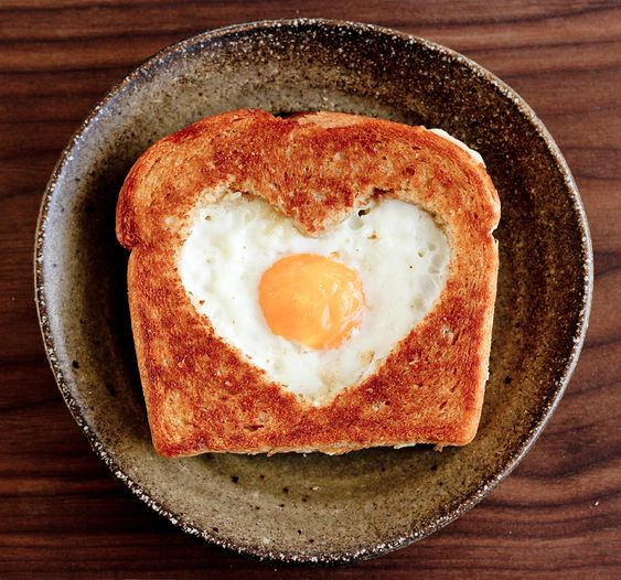 i love egg in toast!