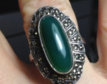 Vintage 1930s Art Deco Large Sterling Silver Oval Chrysoprase & Paved Marcasite Ring Size 8