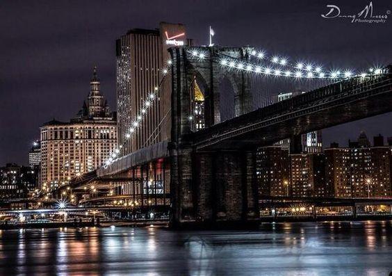 Twitter, Brooklyn bridge.. New York. pic.twitter.com/HkV5rEKzv4