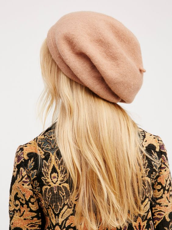 Bisous Slouchy Beret | Keep warm while staying cool in this all wool beret with an effortless, slouchy fit.: