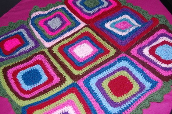 Süße+Babydecke+75x75cm+bunt+retro+Granny+Sqare+von+Nähboutique+auf+DaWanda.com