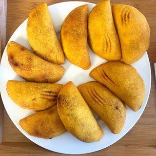 empanadas - Platos tradicionales a probar en Colombia