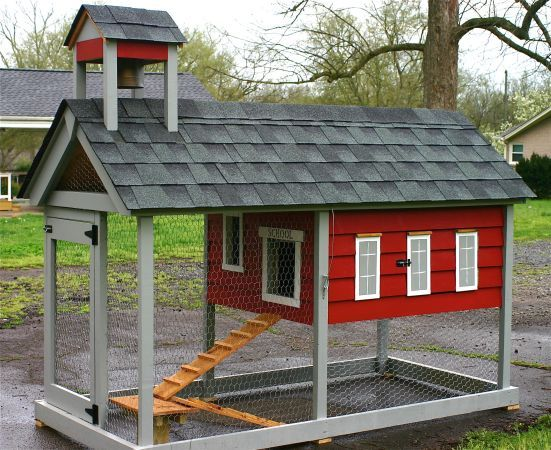 Chicken coops coops and cute chicken coops on pinterest for Homemade chicken coops for sale