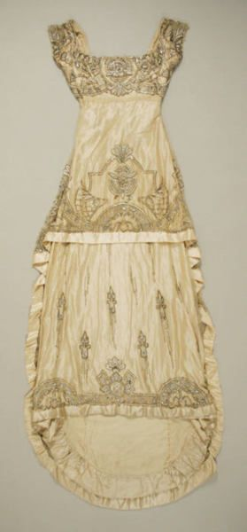 French evening dress | Met Museum | c. 1911    Wow.  talk about the perfect wedding dress.