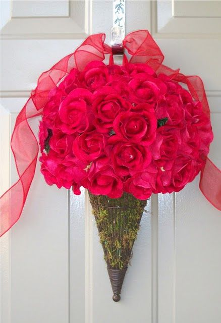 DIY Valentine's roses wreath,( looks like an ice cream cone)
