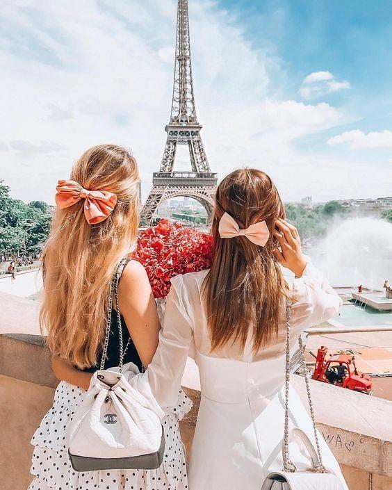Лучшие подруги в Париже