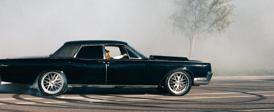 lincoln continental hit and run 1967 lincoln continental hit and run snapikk. Black Bedroom Furniture Sets. Home Design Ideas