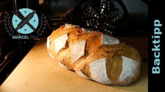 Brotteiglinge Einschneiden So Geht S Mit Der Richtigen Technik Ist Das Einschneiden Von Brottteiglingen Einfacher Al In 2020 Einfach Backen Brot Selber Backen Backen