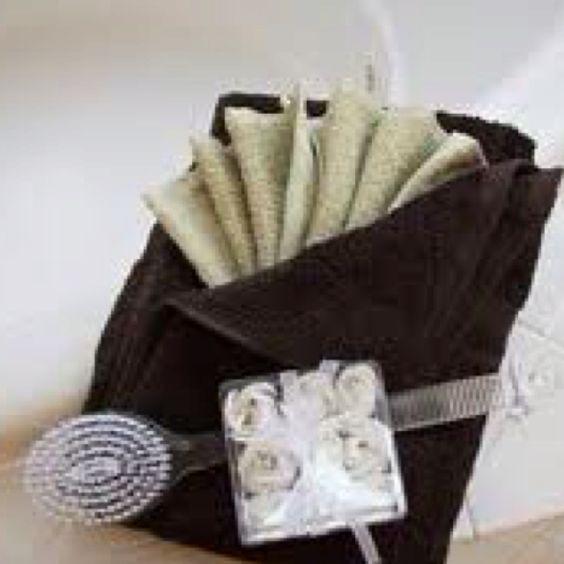 Pinterest the world s catalog of ideas for Bathroom towel folding designs