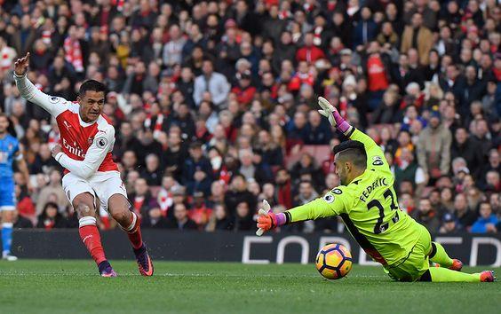 Alexis Sánchez es figura y anota un doblete en el triunfo del Arsenal que sigue de cerca al líder de la Premier | Emol.com