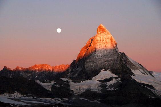 Ganz schön zackig: Das Matterhorn wirkt von jeder Richtung aus anders. Von...