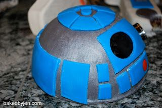 Baked by Jen: May 2010 : Helpful R2-D2 cake tips!!!