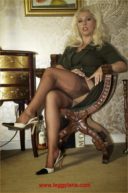 Nikita williams pantyhose