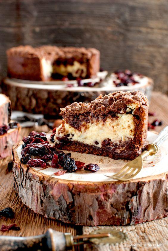torta sbriciolata, ricotta, cacao, fruti rossi, mirtilli, lamponi, fragole, frolla al cacao, crumble, ricotta, iFood, wood