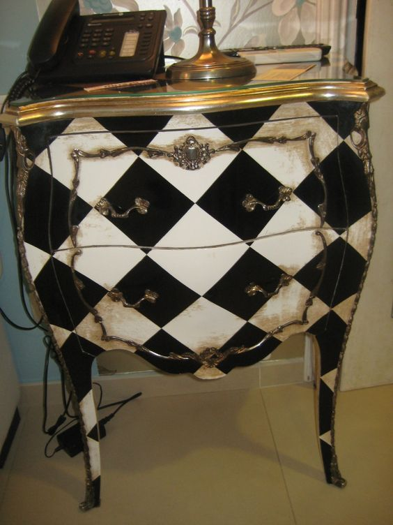 Alice in Wonderland theme dresser -- so awesome