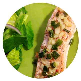 Baked Garlic & Onion Salmon Serves 1   5 or 6 oz Salmon Filet 2 TBSP Chopped Green Onion (Scallion) 1 Garlic Clove – Minced 1 TBSP Dairy-Free Butter (Earth Balance brand is perfect) Pinch of Paprika (Or about 1/3 of a TSP) Salt & Pepper Aluminum Foil   Preheat[...]