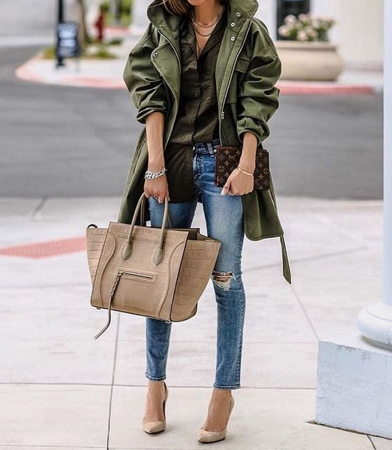khaki trench stylish fall outfit bmodish It seems like I dream about khaki trench