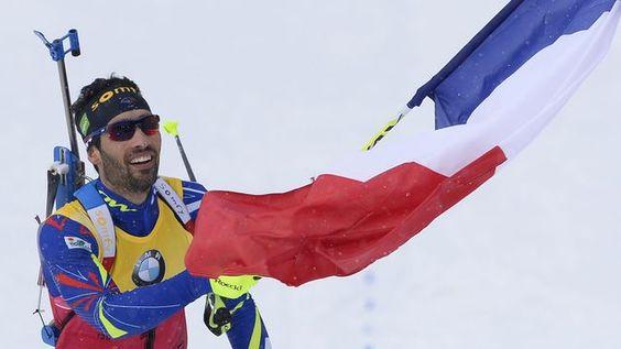 Le biathlète français Martin Fourcade sacré champion du monde de poursuite à Oslo et vainqueur du classement général de la Coupe du monde, le 6 mars 2016