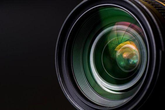 Image from http://s3.amazonaws.com/digitaltrends-uploads-prod/2012/05/digital-camera-lens-buying-guide.jpg.