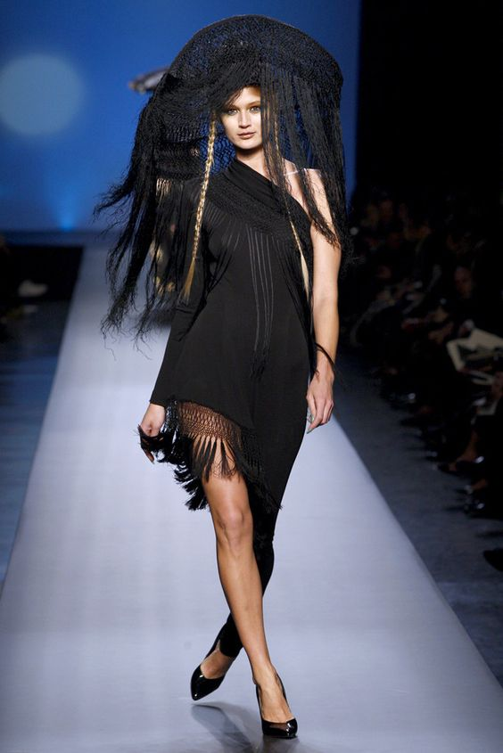Jean Paul Gaultier Spring 2010 Couture Fashion Show - Alana Zimmer -Model: Michelle Buswell