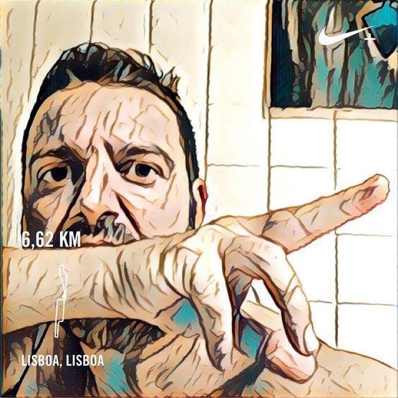 Treino das quintas com a malta do #correrlisboa. Já não me lembro de fazer um treino tão mau há meses. Ele há dias assim maus  #runnersworldportugal  #corremosjuntos #runner #runnerdrummer #3porsemana #newlifestyle #drumrunner | #Gear: #adidasrunning #adidas #newbalance #vongo  #tomtom #nikeplus #house