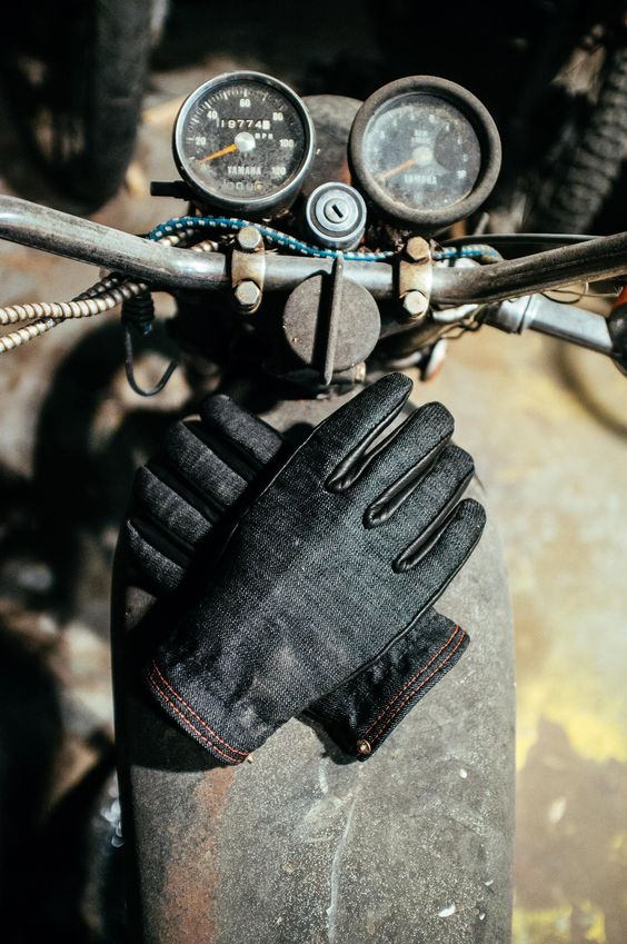 I think I could wear these in bad weather. First time I've ever said I like gloves.  The Onyx Ranger is our answer to winter. The glove is lined with wool, and mixes American Mills Cone Selvedge Black Denim and Black Deer Skin. The ...: