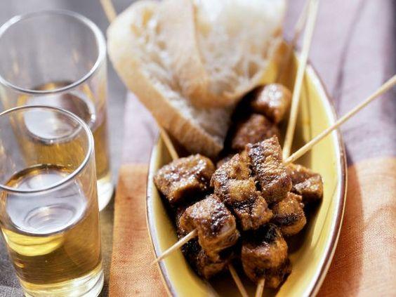 Würzige Fleischspieße aus Nordafrika ist ein Rezept mit frischen Zutaten aus der Kategorie Schwein. Probieren Sie dieses und weitere Rezepte von EAT SMARTER!