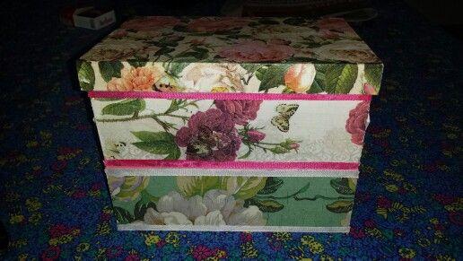 Costurero con flores decoupage dos pisos♡