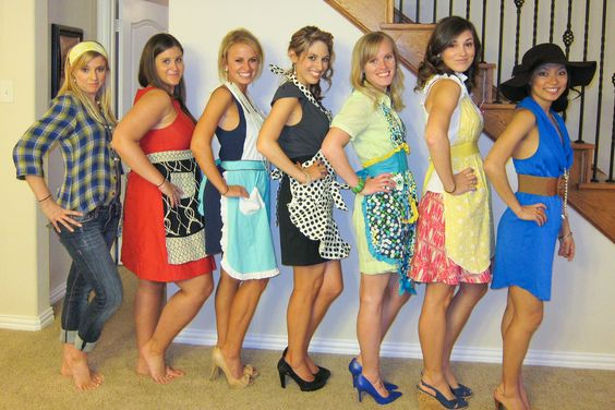 Too cute house party and so cute on pinterest for Classic 50s housewife