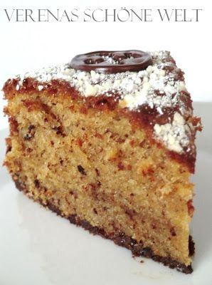 Dieser Nusskuchen mit Sahne von Verena's schöne Welt sieht wunderbar saftig aus.  #Rezept: http://www.kuechenplausch.de/rezept/info/42440-nusskuchen-mit-sahne-hazelnut-cake-with-cream