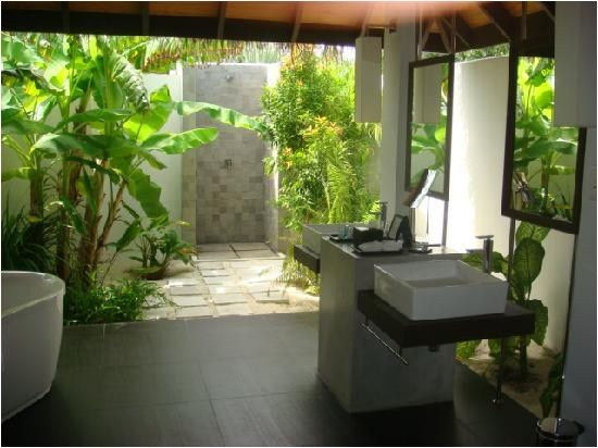 48 Amazing Outdoor Bathroom That Will Take Your Breath Away Decorecord Outdoor Bathrooms Indoor Outdoor Bathroom Outdoor Bathroom Inspiration