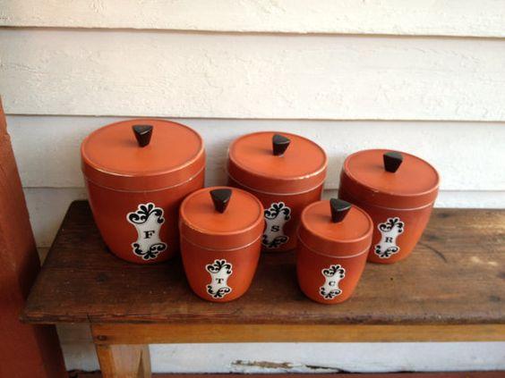 Vintage kitchen cannisters burnt orange cook 39 em horns for Kitchen set orange