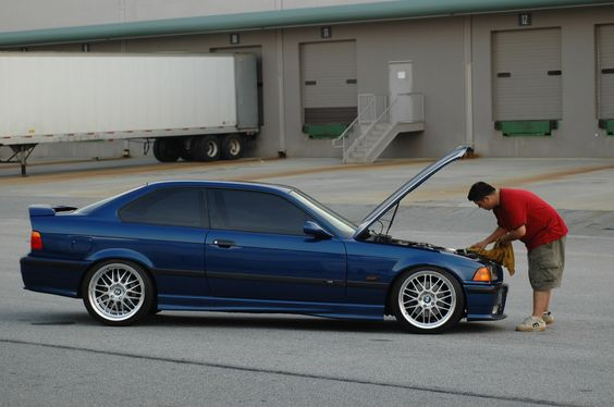 Avusblue BMW e36 coupe