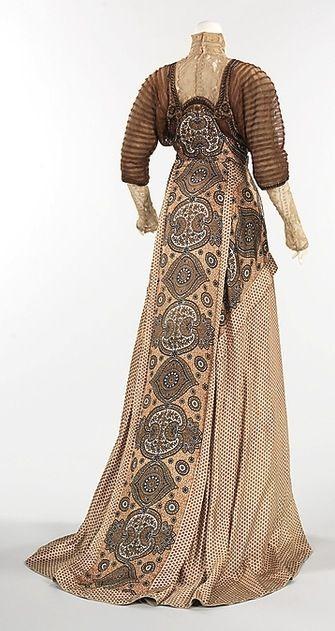 1910+Evening+Dress++Weeks,++The+Metropolitan+Museum+of+Art.