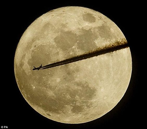 """An airplane flying in front of the May 5th 2012 """"Super Moon"""": Moon, Moon Photography, Moon Photos, Supermoon Tonight, Lunar Planet, Aeroplane Flying, Airplane Flying, The Moon"""