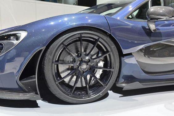 McLaren se olvidó de pintar este P1 y el resultado es Espectacular!