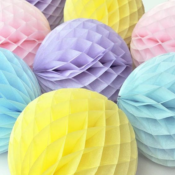 A big delivery of honeycomb balls in three sizes and many colours arrived today. Pastels are my fave! FREE shipping over $40 for a limited time. #larkstore #party #pastels #yay