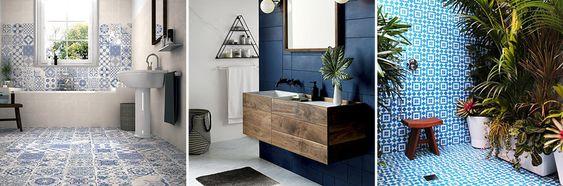 Design bagno in blu e bianco.