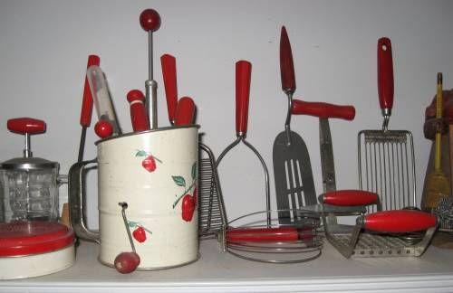 The Allee Willis Museum of Kitsch » 1940s red kitchen accessories (Part 1)