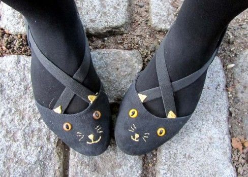 Turn Your Flats Into Cats by Andrea C via craftgawker #DIY: Kitty Cats, Cat Shoes Diy, Charlotte Olympia, Kitty Shoes, Shoe Ideas, Cat Flats, Kitty Flats, Craftgawker Diy