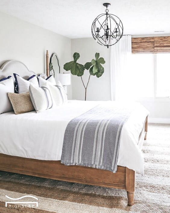 Modern Farmhouse Farmhouse Style Master Bedroom Bedroom Decor Inspo White Bedding Home Decor Bedroom Simple Bedroom Stylish Bedroom