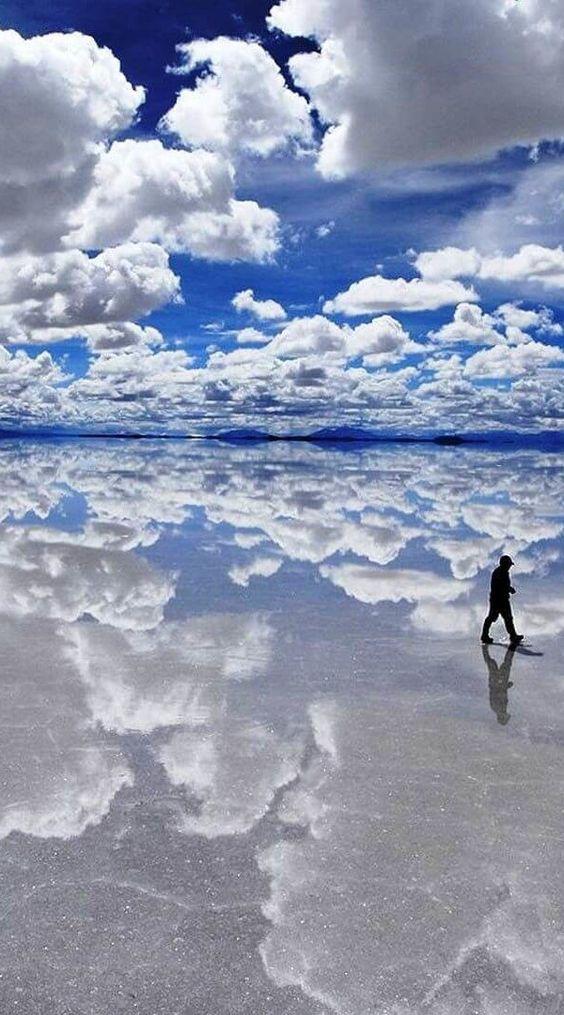 Salar de Uyuni, Bolivia. Check out more amazing destinations at http://glamshelf.com