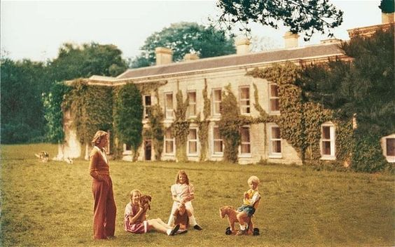 Flavia Leng remembers life at Menabilly with her mother, Daphne du Maurier, in 1944