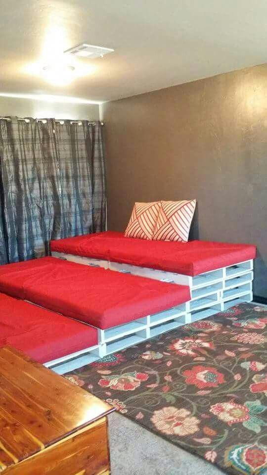 Another Version Of The Pallet Theater Seating Found On Fb The