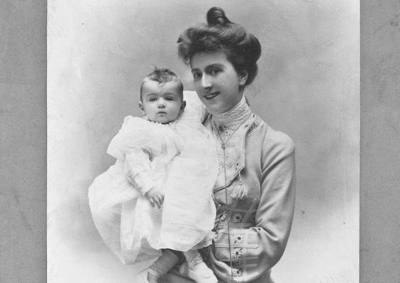 "Biltmore's New Star ""A new star has appeared at famous Biltmore, and the charming mistress of this most gorgeous home is smiling upon her first born, a tiny girl called Cornelia Stuyvesant Vanderbilt..."":"